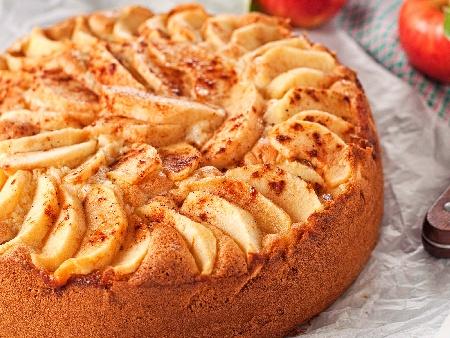 Лесен пухкав кекс / сладкиш с ябълки - снимка на рецептата